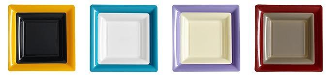 Assiette jetable en plastique carrée